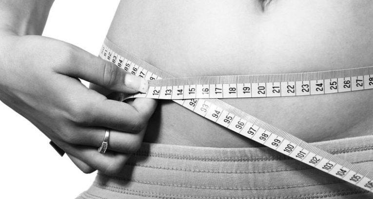 Bajar de peso haciendo dietas, tomando pastillas, sin hacer dietas, haciendo ejercicio…